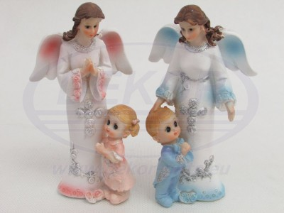 1079 Angel Figurine